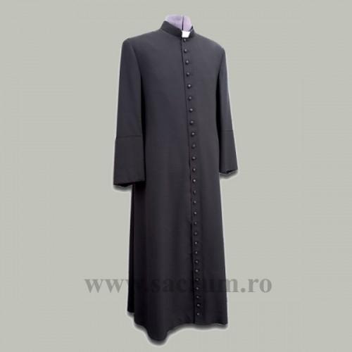 Reverenda cu nasturi falsi
